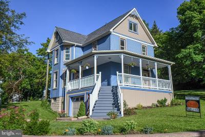 Oakland Single Family Home For Sale: 115 E Street