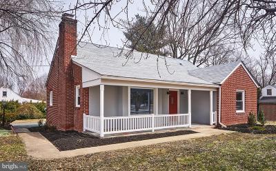 Single Family Home For Sale: 1 E Macphail Road E