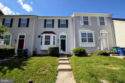 Aberdeen Townhouse For Sale: 208 Woodland Green Way