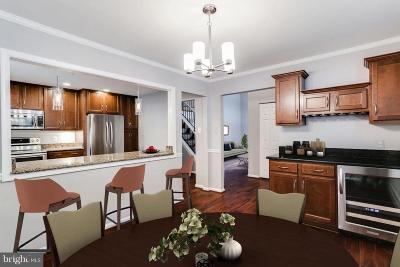 Columbia Single Family Home For Sale: 9456 Keepsake Way