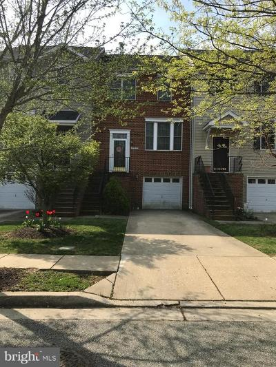 Townhouse For Sale: 117 Acorn Drive