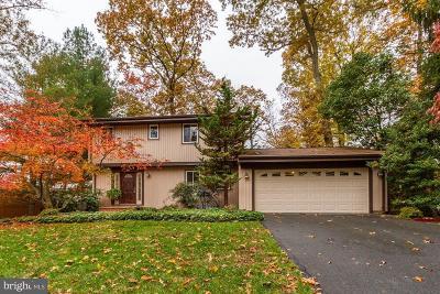 Gaithersburg Single Family Home For Sale: 14916 Chestnut Ridge Court