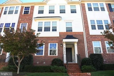 Clarksburg Condo For Sale: 22783 Autumn Breeze Avenue #103