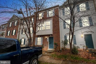 Germantown Condo For Sale: 12955 Woodcutter Circle #92