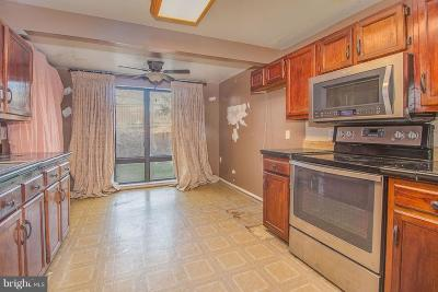Germantown Condo For Sale: 18200 Swiss Circle #2-103
