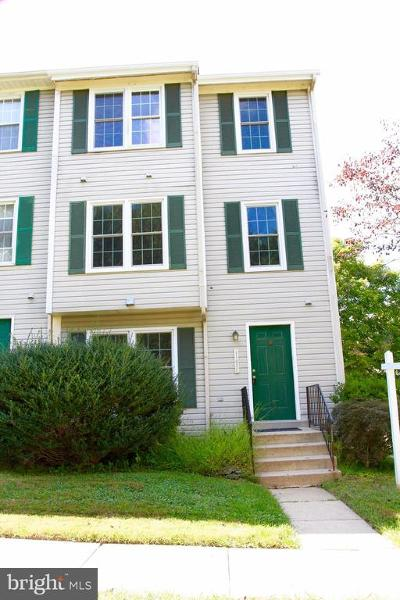 Gaithersburg Townhouse For Sale: 11636 Pleasant Meadow Drive