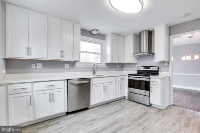 Gaithersburg Single Family Home For Sale: 23505 Woodfield Road