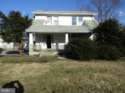 Damascus Single Family Home For Sale: 27319 Ridge Road