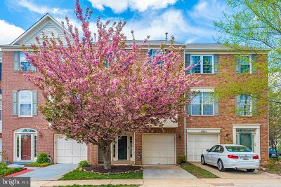 Germantown Condo For Sale: 12937 Woodcutter Circle #100
