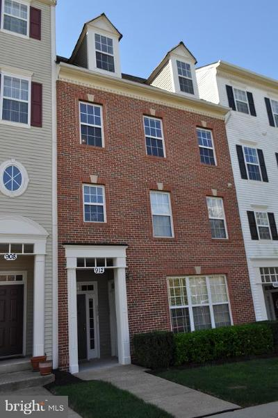 Gaithersburg Townhouse For Sale: 912 Orchard Ridge Drive #200