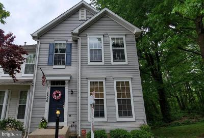 Germantown Townhouse For Sale: 18806 Harmony Woods Lane