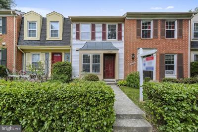 Gaithersburg Townhouse For Sale: 20508 Strath Haven Drive