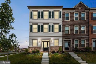 Montgomery County Townhouse For Sale: 13751 Petrel Street