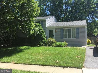 Gaithersburg Single Family Home Under Contract: 24221 Newbury Road