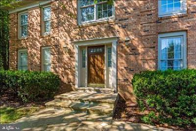 Gaithersburg Single Family Home For Sale: 14845 Botany Way