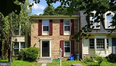 Gaithersburg Townhouse For Sale: 20235 Maple Leaf Court