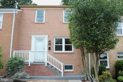 Gaithersburg Townhouse For Sale: 27 Gold Kettle Court