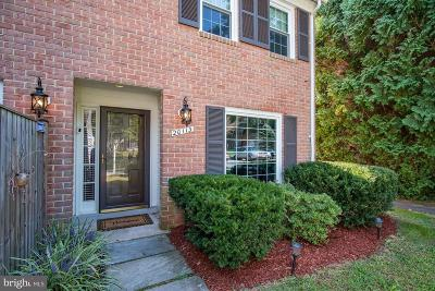 Montgomery Village Townhouse For Sale: 20113 Waringwood Way