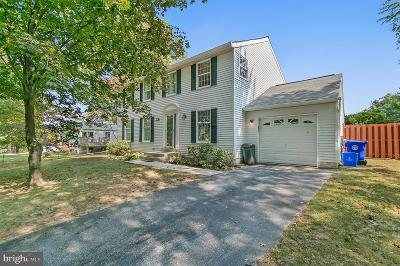 Gaithersburg Single Family Home For Sale: 18717 Flower Hill Way