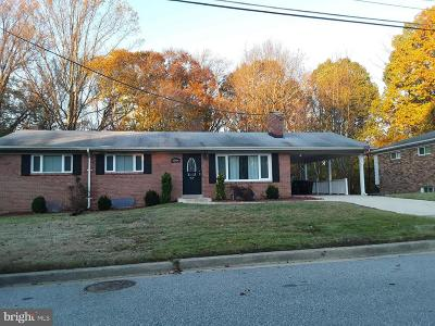 Temple Hills Single Family Home For Sale: 5004 Wilkins Drive