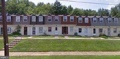 Landover Townhouse For Sale: 1848 Dutch Village Drive #R-267