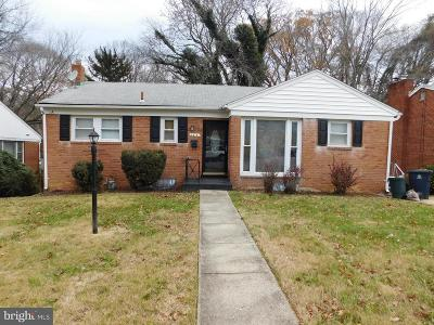 Temple Hills MD Single Family Home Active Under Contract: $240,000