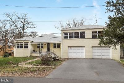 Suitland Single Family Home For Sale: 5005 Bridgeport Drive