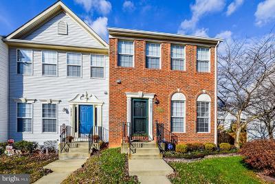 Upper Marlboro Townhouse For Sale: 9817 Woodyard Circle