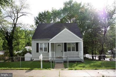 Capitol Heights Single Family Home For Sale: 420 Cedarleaf Avenue