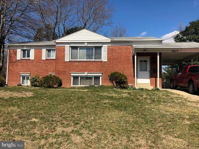 Lanham Single Family Home For Sale: 9502 Mazzoni Avenue