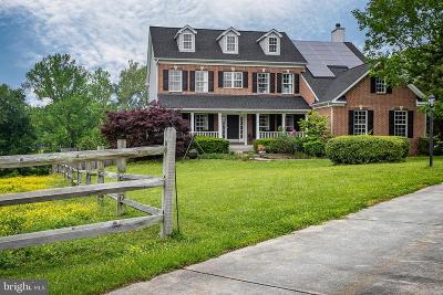 Upper Marlboro Single Family Home For Sale: 15600 Saint Thomas Church Road