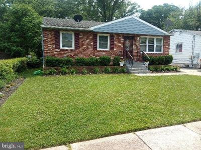 Lanham Single Family Home For Sale: 9129 5th Street