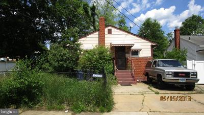 Landover Single Family Home For Sale: 1915 Columbia Avenue