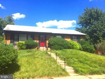 District Heights Single Family Home For Sale: 2116 Glendora Drive