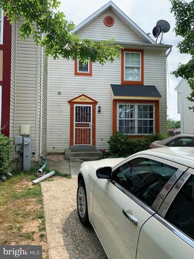 Glenarden Townhouse Under Contract: 3205 W Glenreed Court
