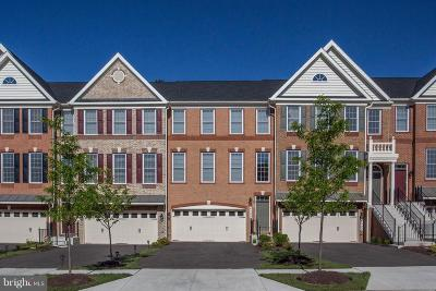 Upper Marlboro Townhouse Active Under Contract: 4509 Thoroughbred Drive