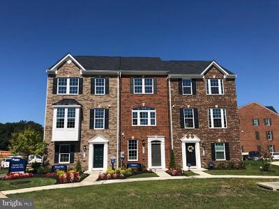 Hyattsville Townhouse For Sale: 2404 Avondale Overlook Drive #201C