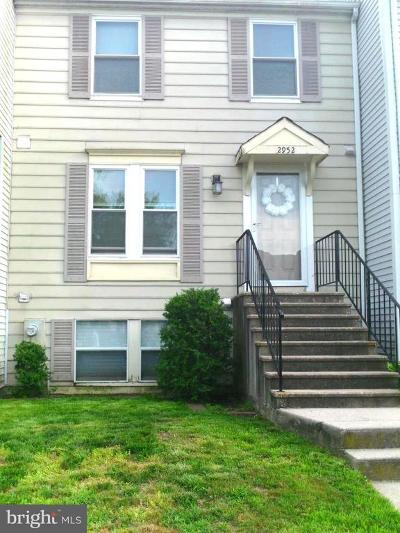 Townhouse Under Contract: 2952 November Court