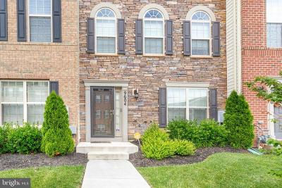 Lanham Townhouse For Sale: 9604 Smithview Place