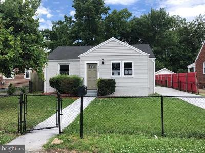 Suitland Single Family Home For Sale: 3310 Navy Day Drive