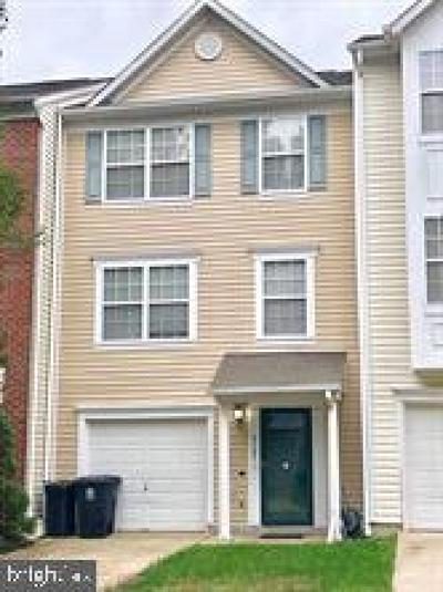 Prince Georges County Townhouse For Sale: 6727 Darkwood Court