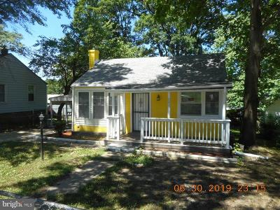 Capitol Heights Single Family Home For Sale: 802 Minna Avenue