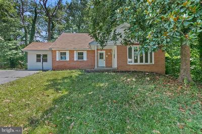 Oxon Hill Single Family Home For Sale: 5012 Manor Court