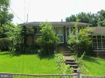 Temple Hills Single Family Home For Auction: 2631 Oxon Run Drive