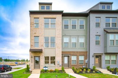 Upper Marlboro Townhouse For Sale: Capital Court
