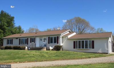 Upper Marlboro Single Family Home For Sale: 10420 Lynn Ric Drive