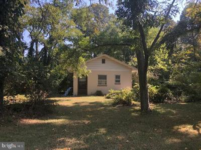 Calvert County, Saint Marys County Single Family Home For Sale: 26460 Peninsular Drive