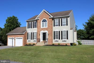 Hagerstown Single Family Home For Sale: 11401 Rolling Green Place