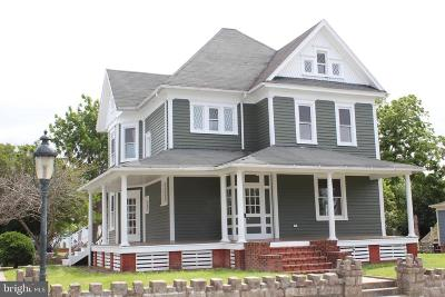 Berlin Single Family Home For Sale: 21 S Main Street