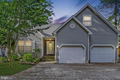 Single Family Home For Sale: 18 Seabreeze Road